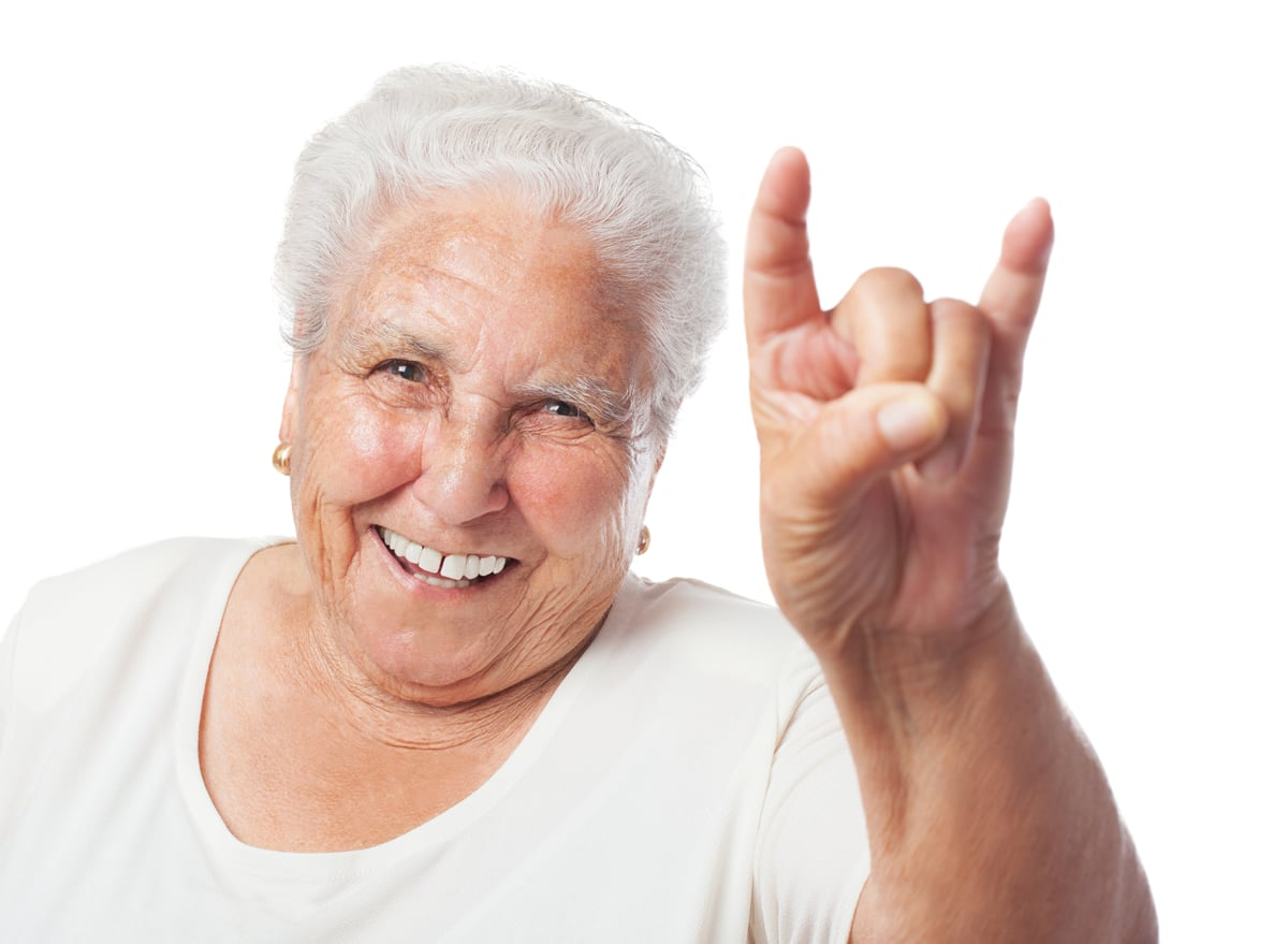 Zobna proteza osrečuje.
