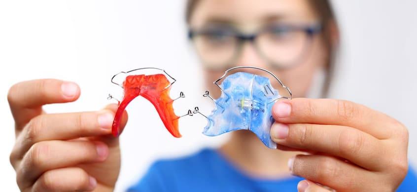 Dva primera funkcionalnega zobnega aparata