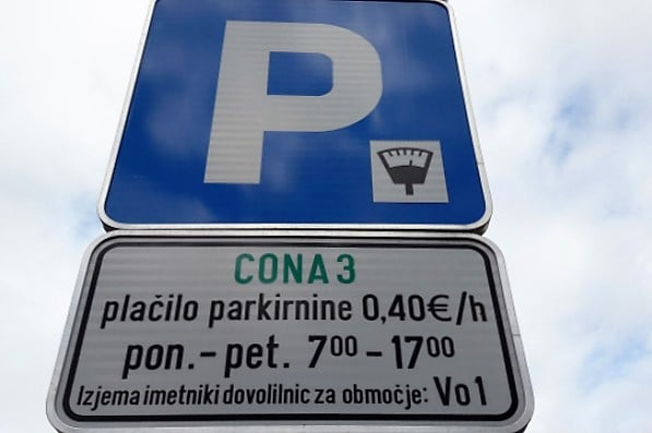 stomatoloska-klinika-parkiranje-na-ulici-1