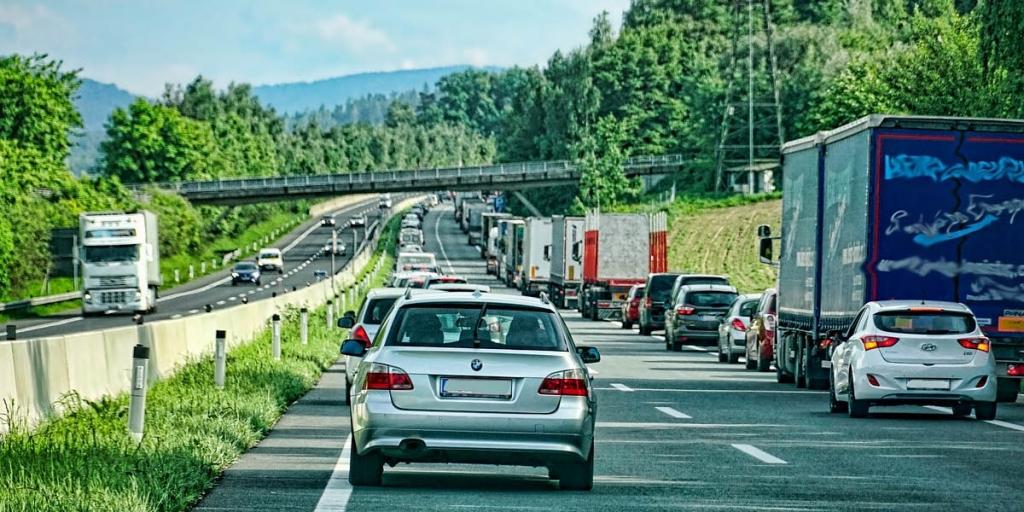Gneča na cestah podaljša čas poti